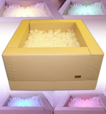 Сухой бассейн с подсветкой ( в комплекте шаров - 1080 шт., сетки для мытья шаров - 2 шт.)