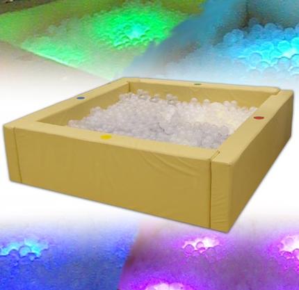 Интерактивный сухой бассейн (3) с подсветкой и переключателями (в комплекте 5200 шаров)