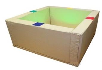 Интерактивный сухой бассейн (1) с подсветкой и переключателями (в комплекте 1200 шаров)