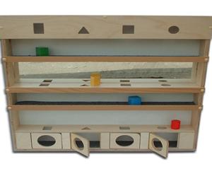 Настенный модуль с обьемными телами и зеркалами