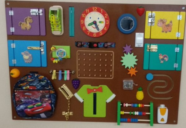 Декоративно-развивающая панель «Я познаю мир»