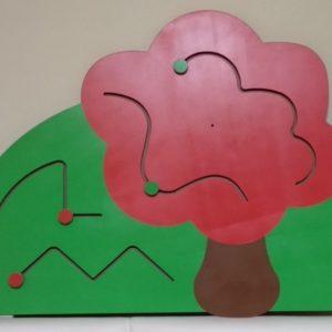 Декоративно-развивающая панель «Яблонька»