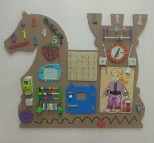 Декоративно-развивающая панель «Дворец шахматной королевы»